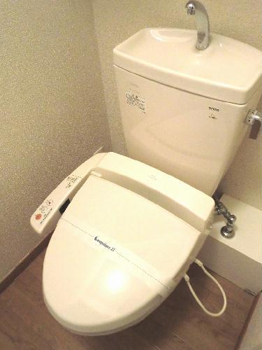 レオパレスフローライト 203号室のトイレ