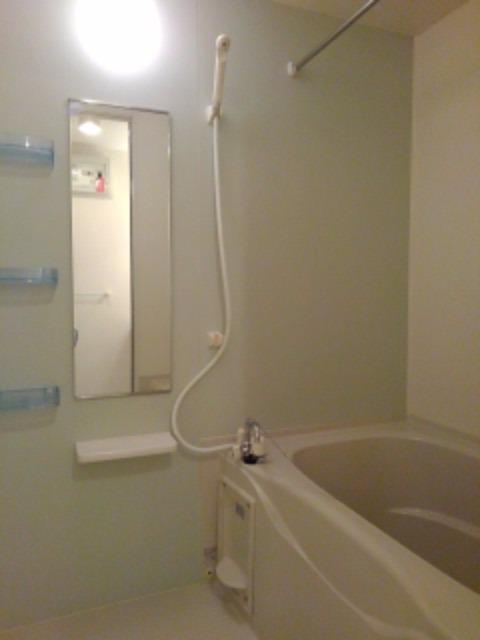 ソレイユ 01010号室の風呂