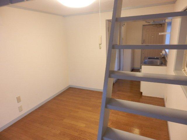 ハーモニーハウス 202号室のリビング