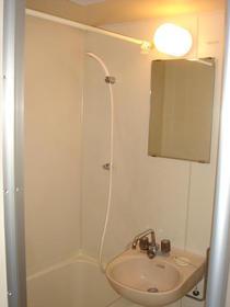 リバーサイド布萬 303号室の風呂