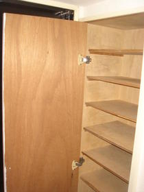 リバーサイド布萬 303号室の収納