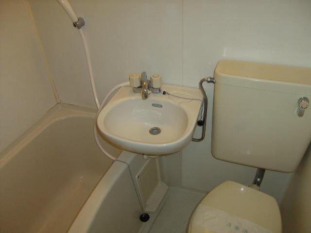 スリーハイム志村 202号室の風呂