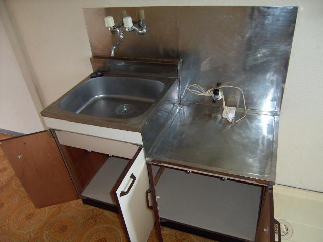 スリーハイム志村 202号室のキッチン