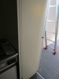 フリーゲンハイム 203号室の収納