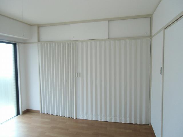 メゾンド・石川 301号室の収納