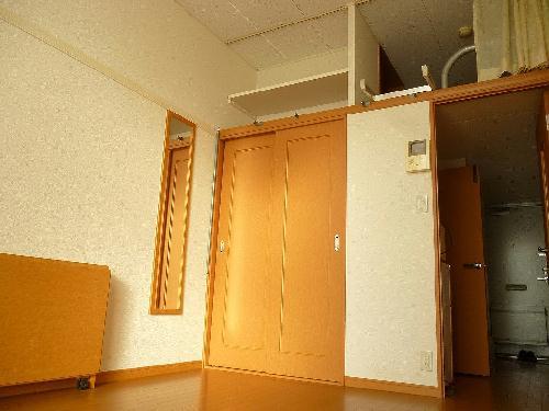 レオパレスムサシ 208号室の風呂