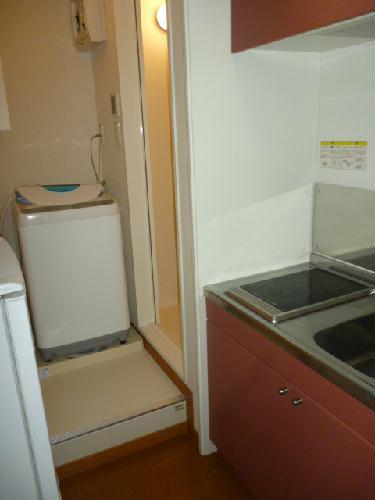 レオパレス光草 101号室の洗面所
