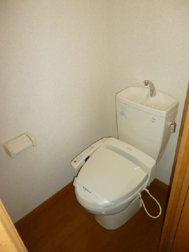 レオパレス光草 201号室のトイレ
