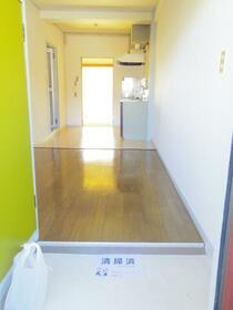 ワコーマンション 204号室の玄関