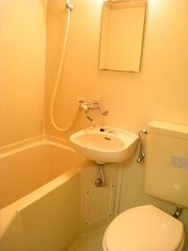 スカイコート東白楽 304号室の風呂