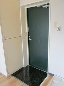 スカイコート東白楽 304号室の玄関