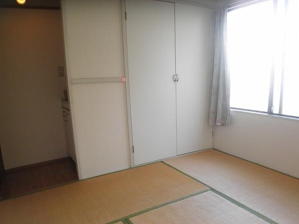 桂ビル 203号室のリビング