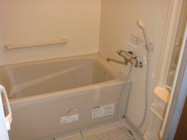 スカイヒルズほそや 301号室の風呂