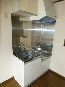 コーポ三輪 102号室のキッチン