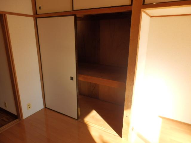 清和レジデンス1号棟 204号室の玄関