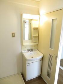 ガーデンハイツいわなみ 106号室の洗面所