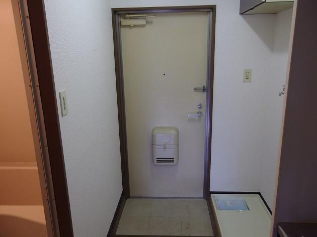 グラドゥアーレ 202号室の玄関