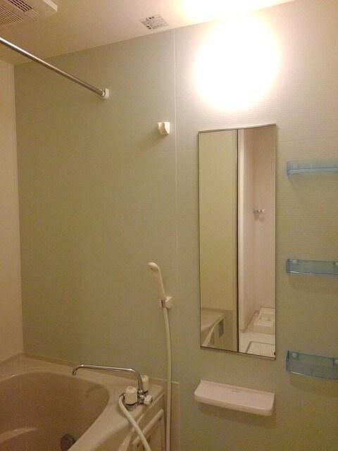 メゾン セレノ 02040号室の風呂