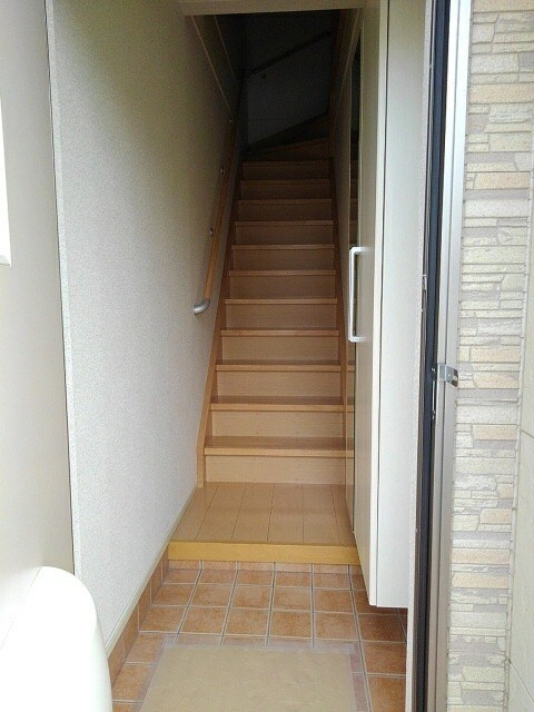 メゾン セレノ 02040号室の玄関