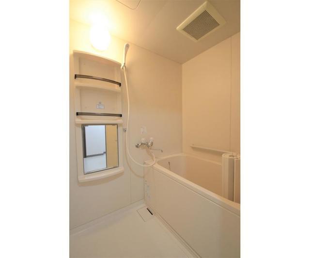 ウィスタリアガーデン 303号室の風呂