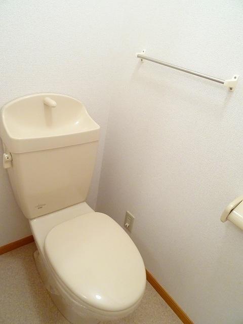 ジュネスコーポ 01040号室のトイレ