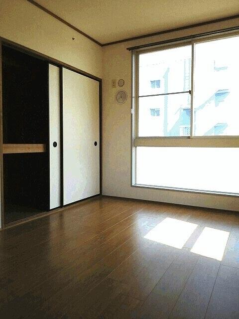 ジュネスコーポ 01040号室の収納