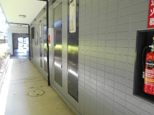 レオパレスBOUGAKU B 101号室のエントランス
