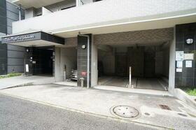 ダイホープラザ新横浜 302号室の駐車場