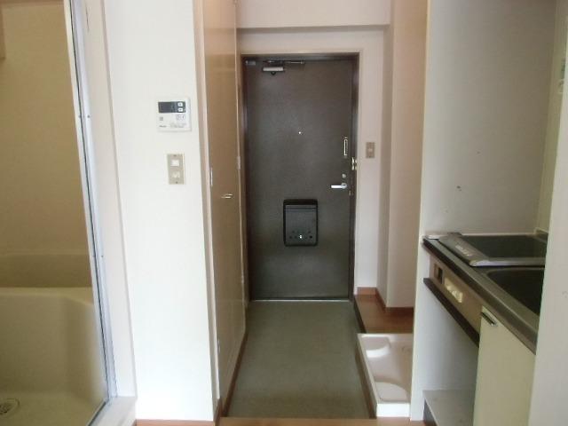セゾン 305号室の玄関