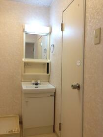 サンヒルズヨコハマ 304号室の洗面所