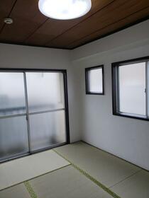 進陽マンション 402号室の居室