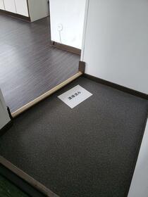 進陽マンション 402号室の玄関