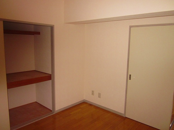 トーレタケダ 205号室の収納