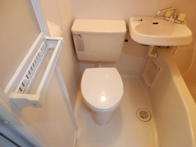 第11シンエイハイム 305号室のトイレ