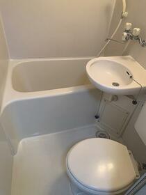 クレイドル中央 102号室の風呂