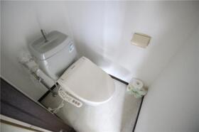 メゾン新横浜A 202号室のトイレ