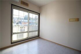 メゾン新横浜A 202号室のバルコニー