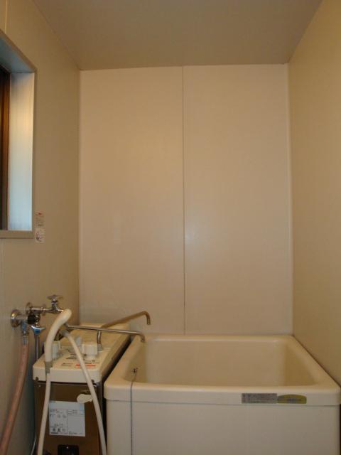 酒カネハイツ 102号室の風呂