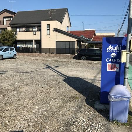 白容荘 2A号室の駐車場