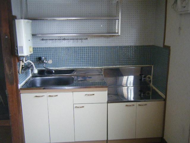 白容荘 2A号室のキッチン