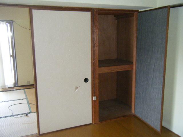 白容荘 2A号室の収納