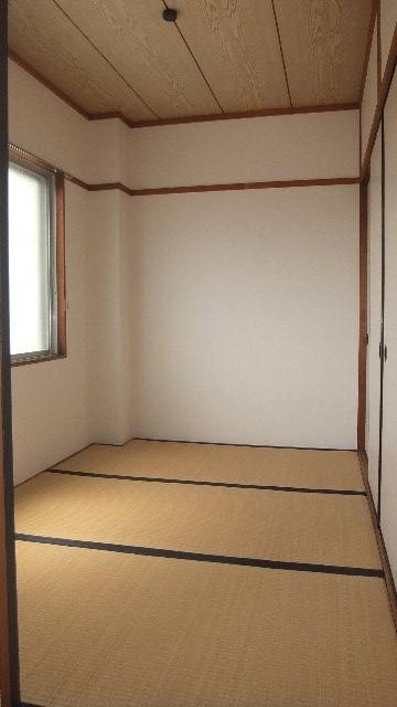 池ノ島ビル 3号室のリビング