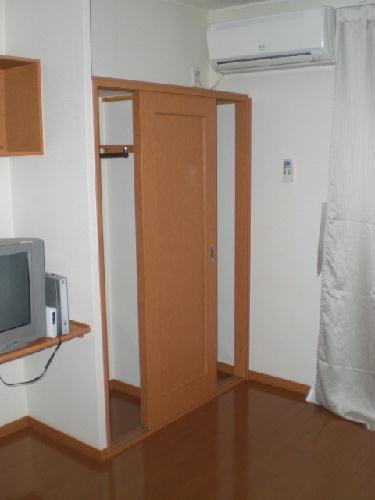 レオパレスソルジェンテ 204号室の収納
