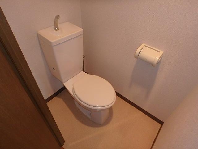 サンライズ高畑 303号室のトイレ