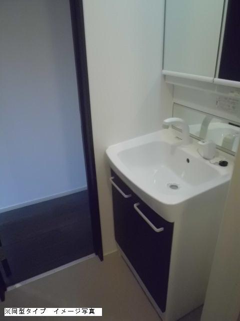 メゾン・ド・ソレイユ 02030号室の洗面所
