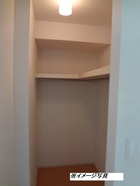 メゾン・ド・ソレイユ 02030号室の収納