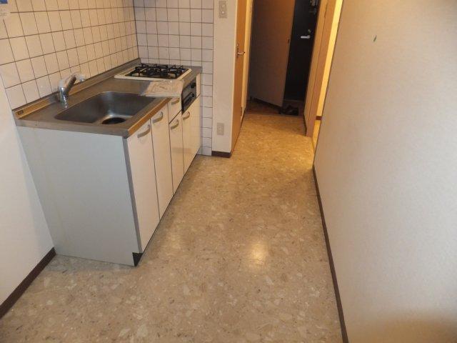 グランデージ則武 902号室のキッチン