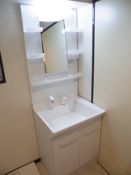 第3西垣ハイツ 403号室の洗面所