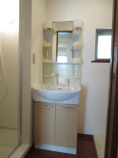Hill Side Walk 102号室の玄関