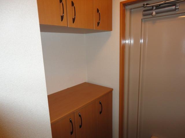 シティーマンション西伏屋 00302号室の収納